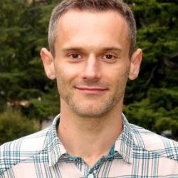 Dr. Marcin  Smietana